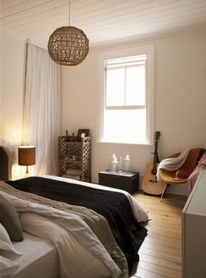Bedroom - hardwood floors