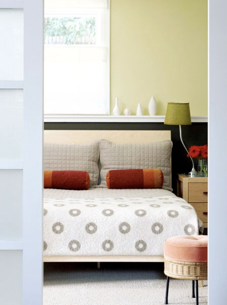 Bedroom - green - orange - pales