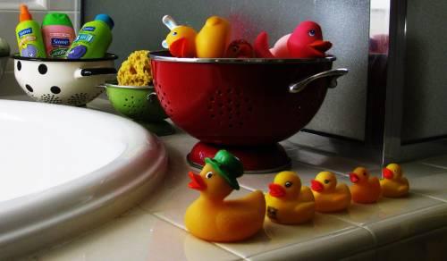 Sweet sweet life - bath + toys