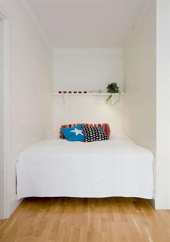 Swedist apt - red + white 10