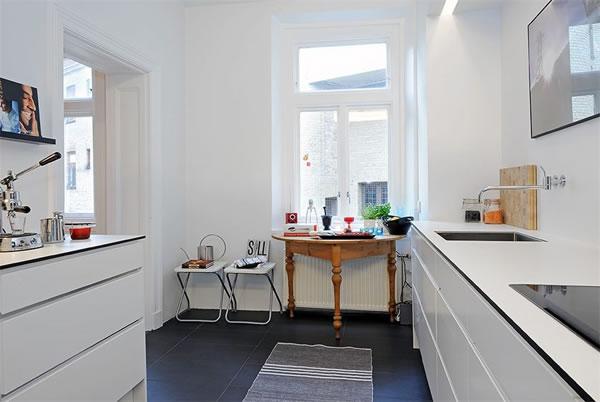 Freshome blog 1896-Swedish-Apartment-6