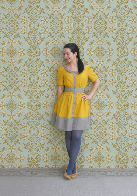 Blue tights + yellow and gray dress