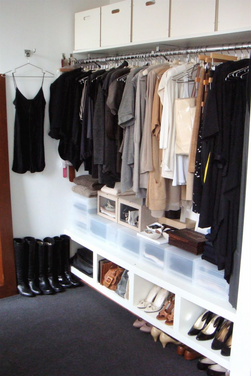 Laura - professional organizer - dressing area - winter