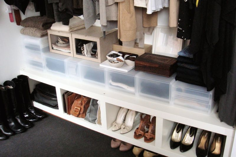 Laura - professional organizer - dressing area - winter 2