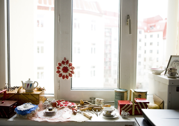 Fine little day - window sill piles 2