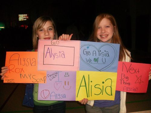 Concert - sign for alysia