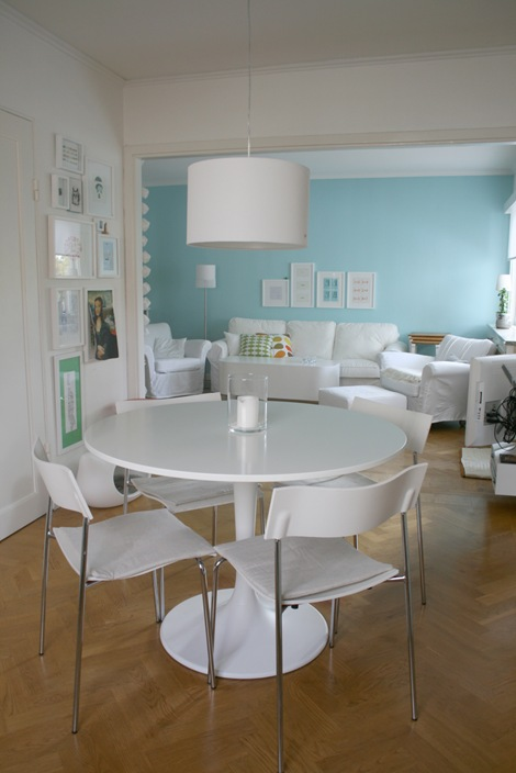 Chez larsson - dining and kitchen area - pretty blue and white
