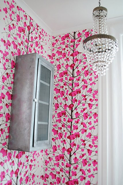 PINK wallpaper bathroom 2