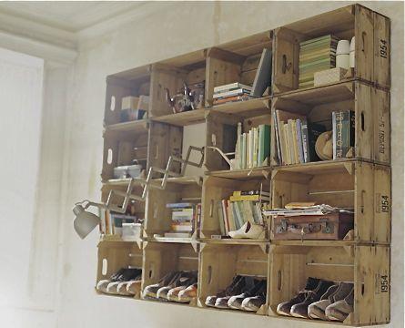 Hindsvik - wooden crate shelf
