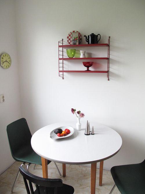 Aprill aprill se - friends home - adorable kitchen