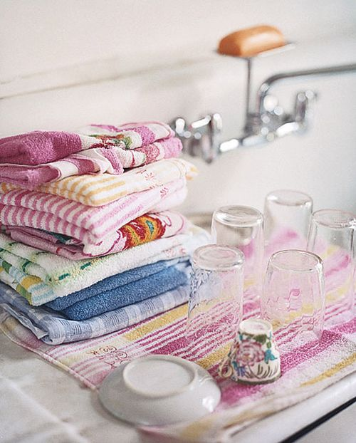 Pink in the kitchen - towels