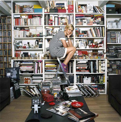 Parisian-Lady-books_rect540