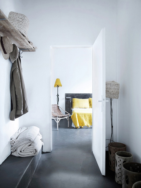 Entry + yellow